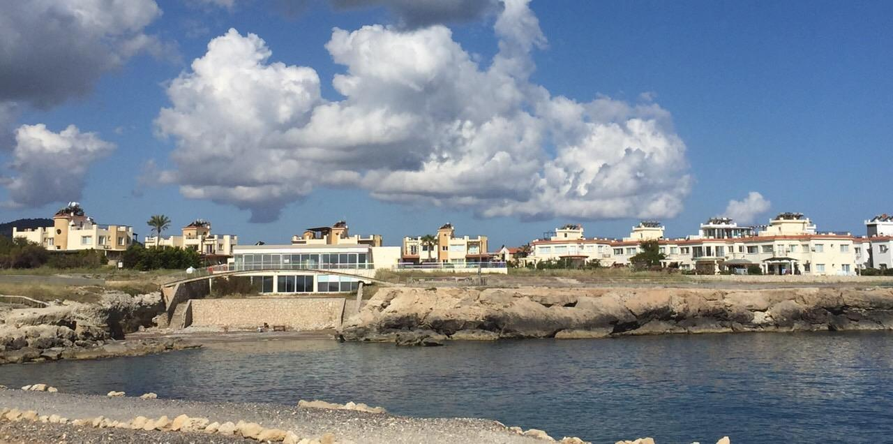 Charming 1 bedroom seafront apartment